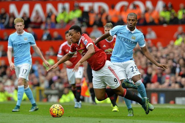 man-united-vs-man-city-ngoai-hang-anh-5